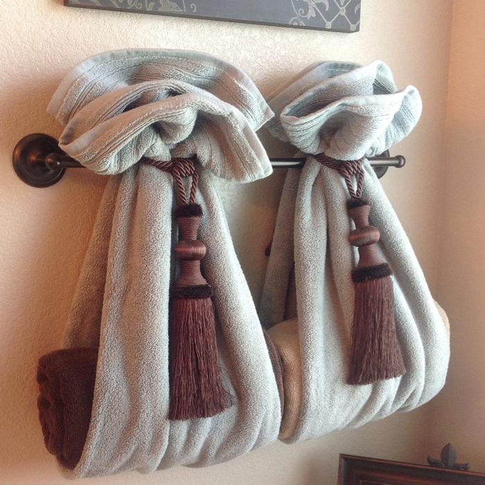 декоративное размещение полотенец в ванной