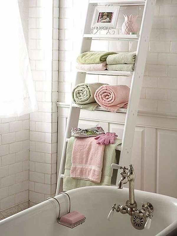 лесенка для полотенец в ванной комнате