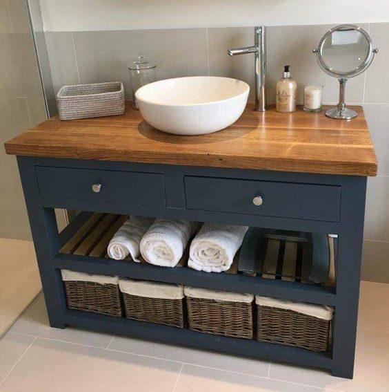 удобно-хранить-вещи-в-ванной