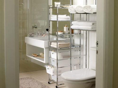 металлический стеллаж в ванной