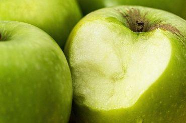 пятно-ржавчины-яблоком
