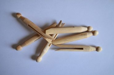 полностью-деревянные-прищепки