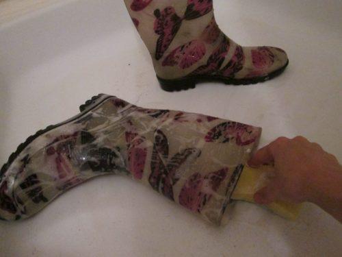 отмыть-резиновые-сапоги-фото