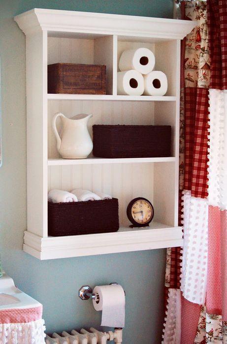 белый деревянный шкафчик для удобного хранения