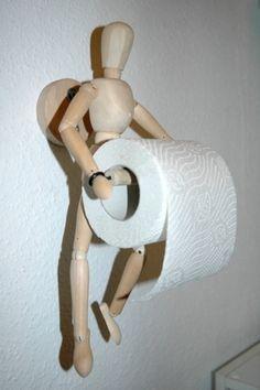 человечек-держит-туалетную-бумагу