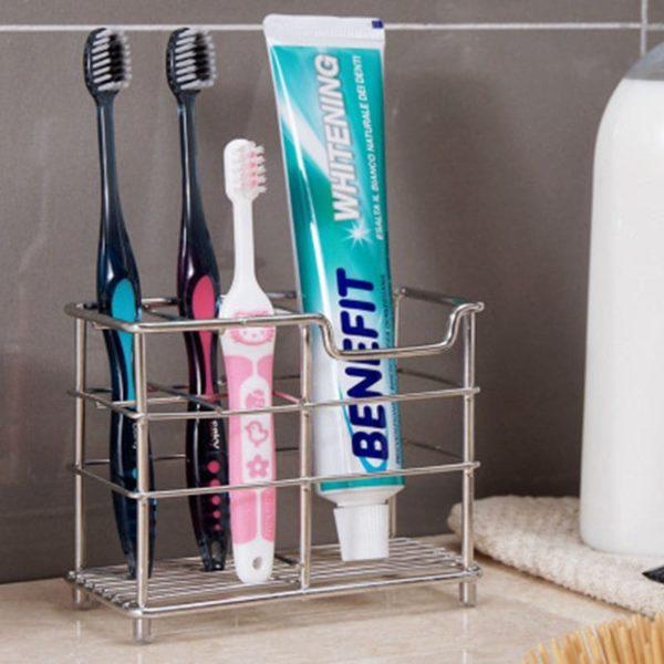 зубные щетки и паста