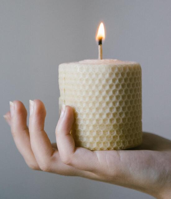 натуральная-восковая-свеча