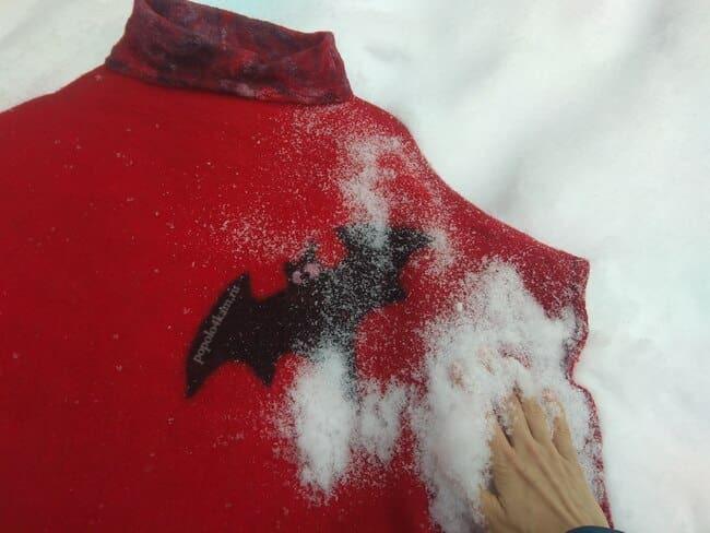 как-почистить-войлок-снегом